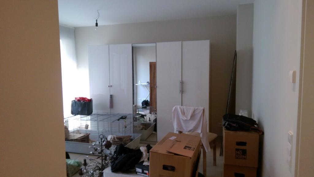 voll mobilierte wohnung na und blog ber malerarbeiten. Black Bedroom Furniture Sets. Home Design Ideas